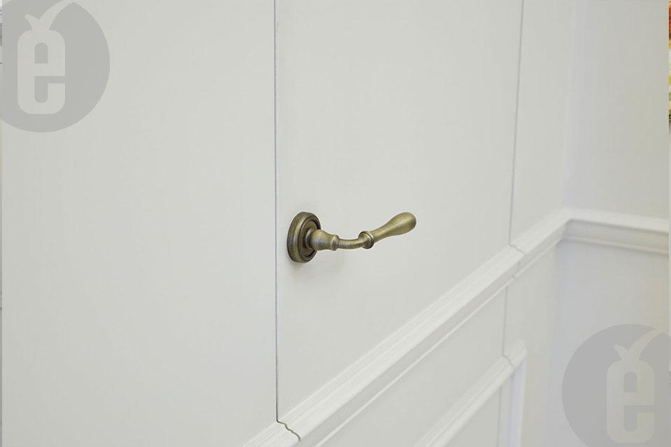 Двери заподлицо со стеной