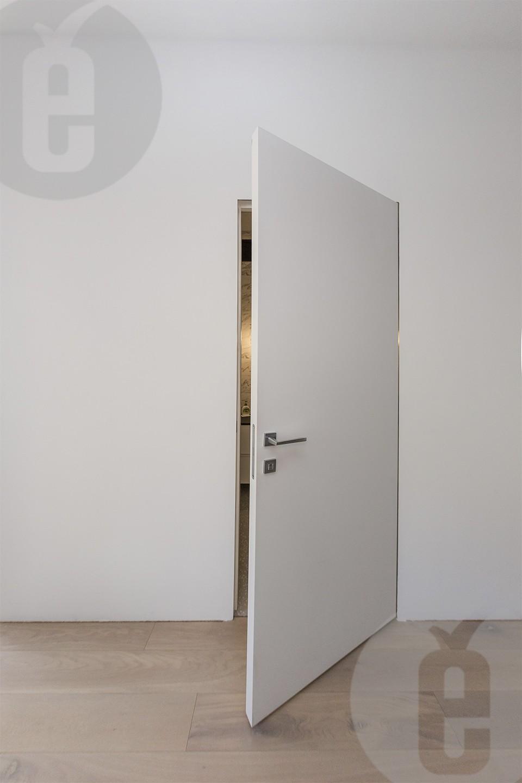 Идеальный интерьер с белыми дверями под покраску