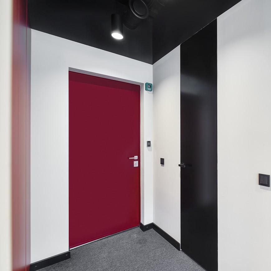 Красивые и функциональные скрытые межкомнатные двери в эмали