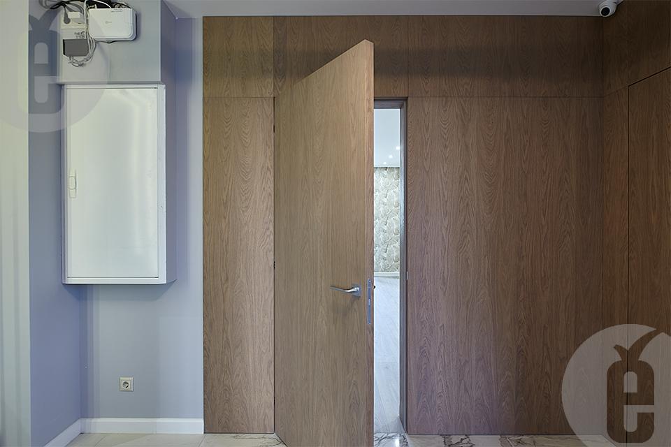 Межкомнатные двери в натуральном шпоне дуба