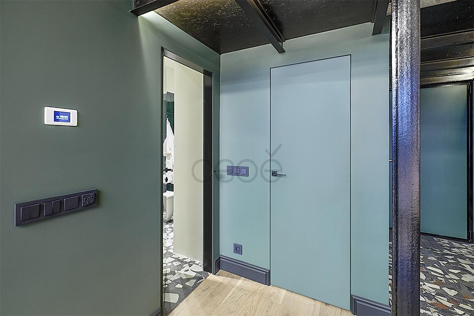 Модные и практичные двери в цвет стен