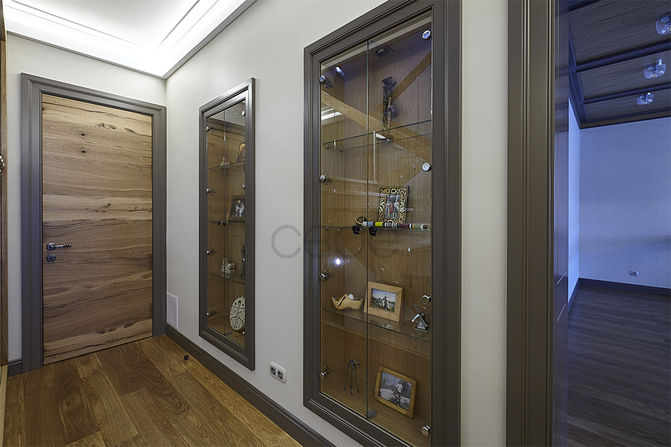 Декоративные полочки со стеклом