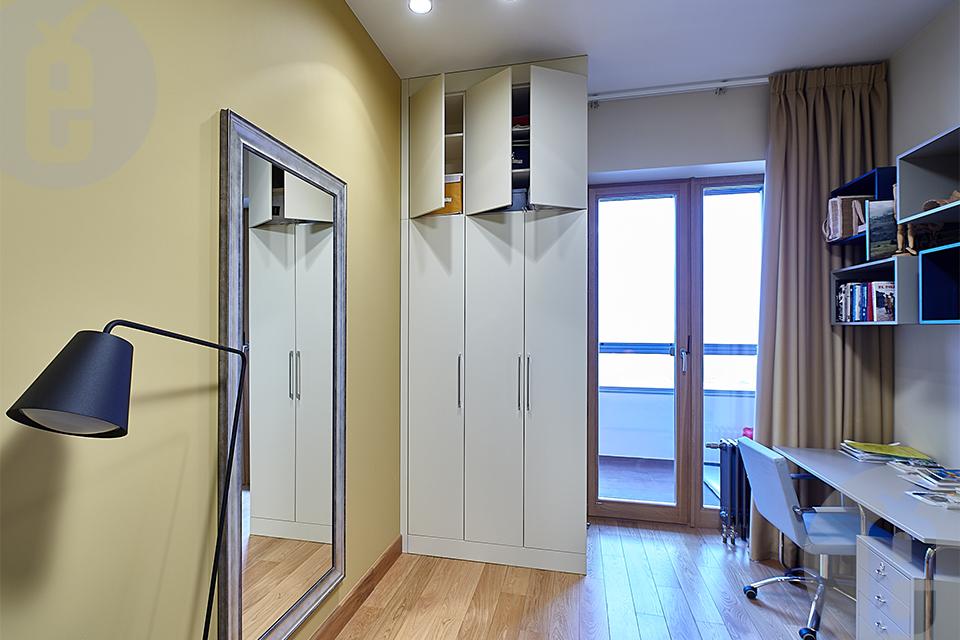 Двери для уютного интерьера. Проект с ванной и гардеробной