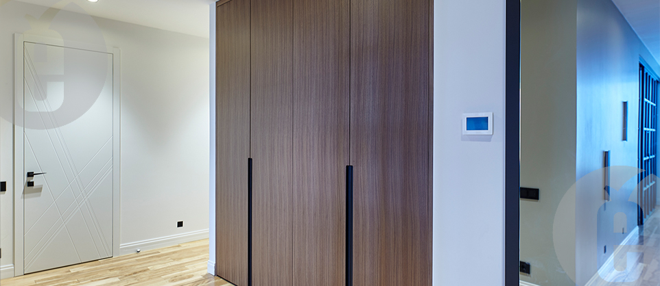Скрытые межкомнатные двери МДФ шпон для гардеробной комнаты