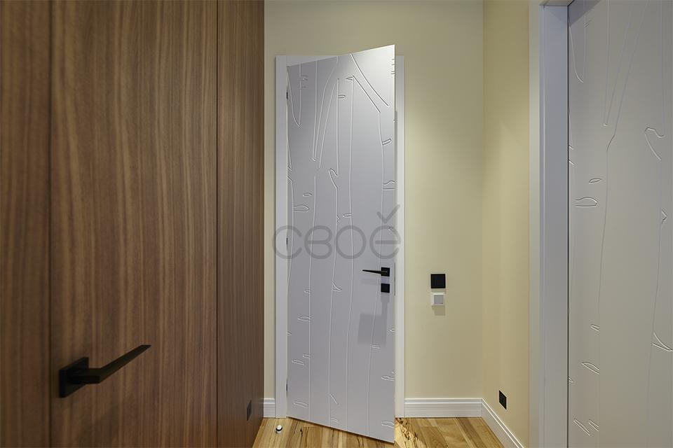 Дверь в белой эмали