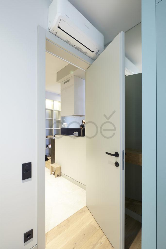 Межкомнатная дверь со скрытыми петлями