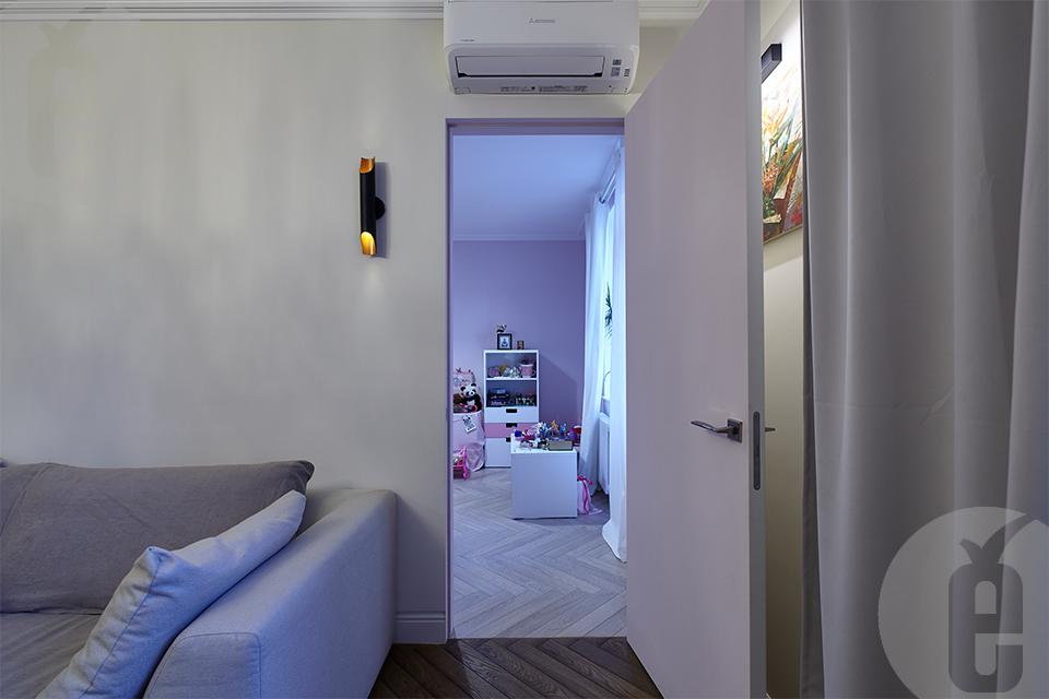 Скрытые межкомнатные двери под покраску в классическом интерьере
