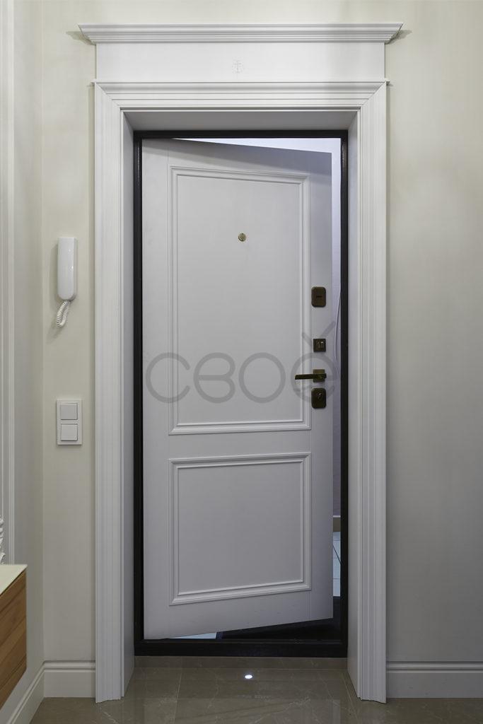 Входные двери с накладкой