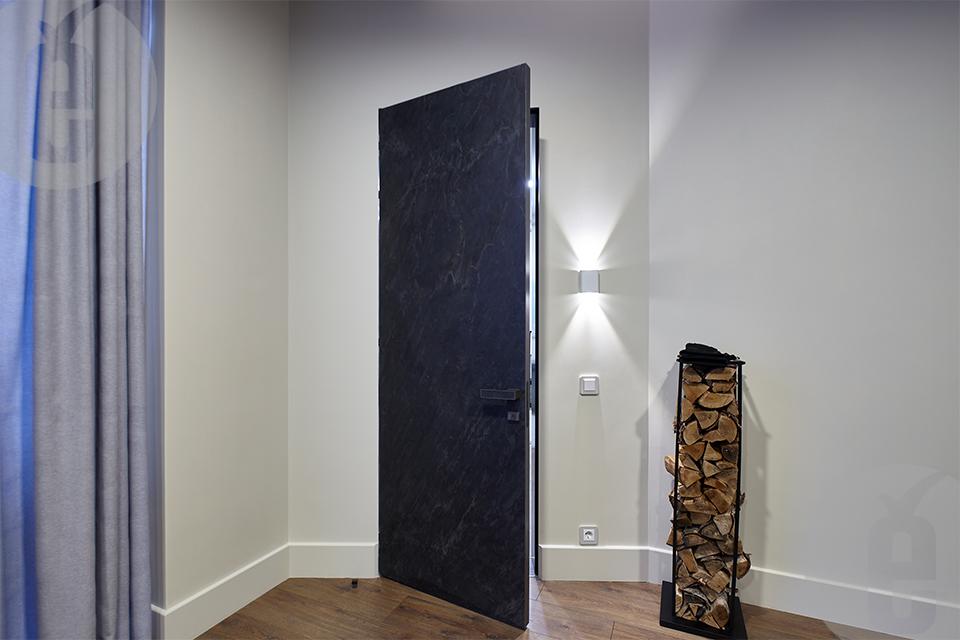 """Межкомнатные двери скрытого типа в шпоне NORKPALM """"Hong Kong"""""""